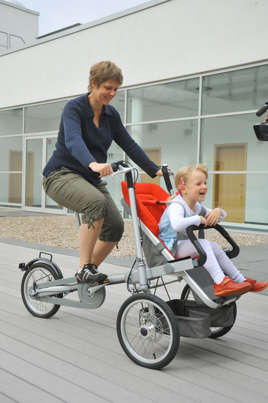 Taga Convertible Bike Stroller | Bluebadgerbaby's Blog